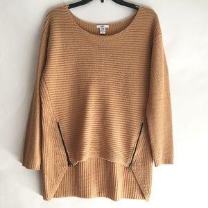 Bar III Women's Sweater Size Medium Cable Knit